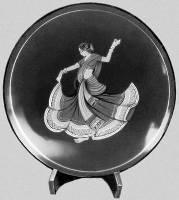 Тарелка с лаковой росписью